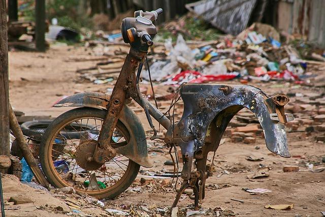 壊れたバイク