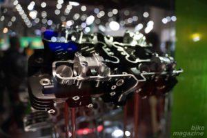Kawasaki Z1/Z2 シリンダーヘッド